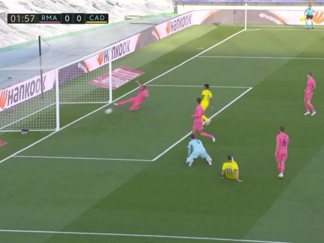 Real Madrid thua sốc tân binh Cadiz ngay trên sân nhà - ảnh 2