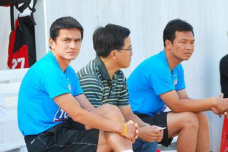 Chuyển nhượng mới nhất V.League: HLV Kiatisak Senamuang chính thức làm thầy Công Phượng ở mùa giải 2021  - Ảnh 1.