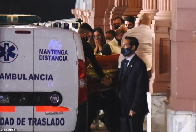 Xô xát xảy ra tại tang lễ của Maradona - Ảnh 3.