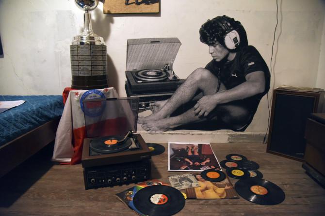 Khám phá căn nhà thuở chưa nổi tiếng của Maradona, sẽ là nơi yên nghỉ cuối cùng của Cậu bé Vàng - ảnh 6
