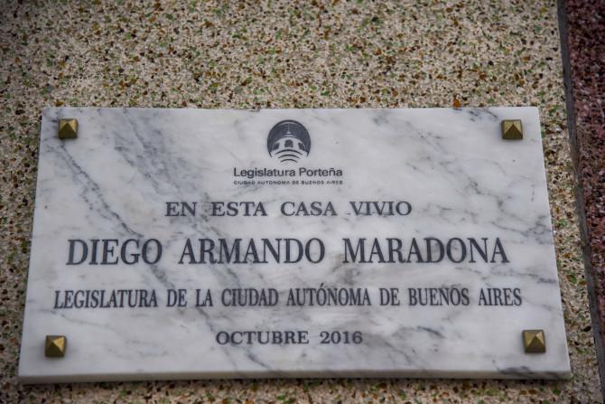 Khám phá căn nhà thuở chưa nổi tiếng của Maradona, sẽ là nơi yên nghỉ cuối cùng của Cậu bé Vàng - ảnh 13