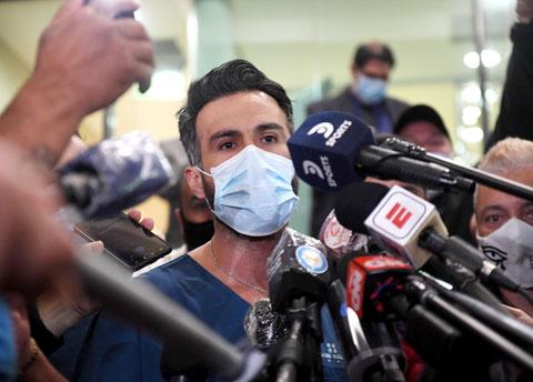 Nghi vấn cái chết của Maradona bắt nguồn từ cuộc gọi cấp cứu khó hiểu của bác sĩ riêng  - Ảnh 3.