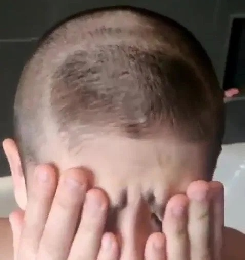Fan nhí bị troll cực gắt vì muốn được đẹp trai, tóc tai vuốt vuốt như Ronaldo - Ảnh 3.