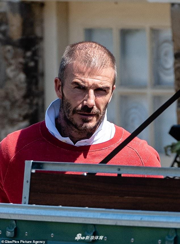 David Beckham bất ngờ xuất hiện với diện mạo tàn tạ đến khó         tin, có dấu hiệu bị hói đầu - Ảnh 1.