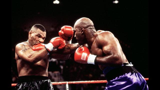 Huyền thoại Evander Holyfield vác thêm xích sắt ở cổ, tập luyện cực sung trước tin đồn trở lại ở tuổi 57, gặp Mike Tyson trong trận Siêu kinh điển - Ảnh 3.