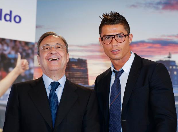 Ronaldo và những kiểu đầu theo anh từng năm tháng: Càng ngày càng chín chắn nhưng cuối sự nghiệp bất ngờ có dấu hiệu hồi xuân - Ảnh 8.
