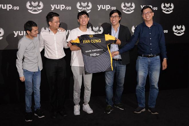 VCS mùa Hè 2020 chứng kiến giai đoạn chuyển nhượng hấp dẫn nhất lịch sử LMHT Việt Nam, giải đấu trở nên kịch tính hơn bao giờ hết - Ảnh 1.