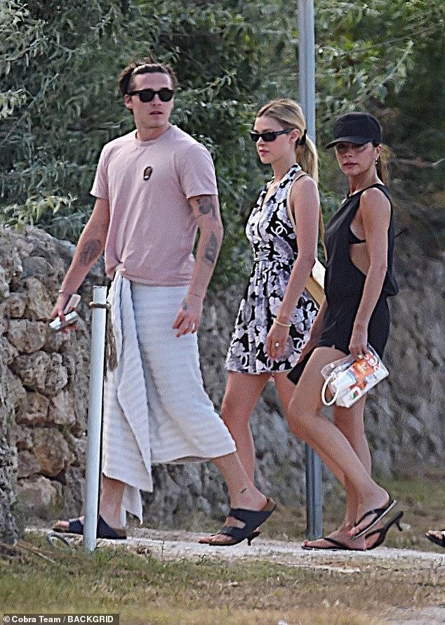 Con dâu tương lai vi vu sang Italy du lịch cùng gia đình Beckham, gây chú ý trong lần đầu lộ diện cạnh Brooklyn kể từ sau tuyên bố đính hôn - Ảnh 2.