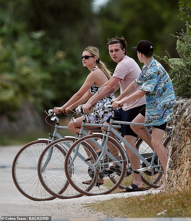 Con dâu tương lai vi vu sang Italy du lịch cùng gia đình Beckham, gây chú ý trong lần đầu lộ diện cạnh Brooklyn kể từ sau tuyên bố đính hôn - Ảnh 5.