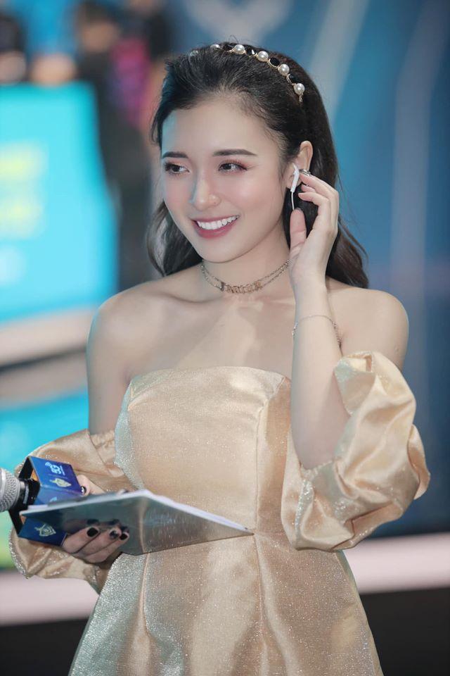 """Fan Liên Quân Mobile """"tiếc hùi hụi"""" vì MC Phương Thảo úp mở chuyện không đồng hành cùng ĐTDV - Ảnh 5."""