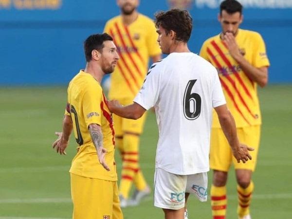 """Bị kèm cực """"gắt"""", Messi nổi cáu với cầu thủ vô danh - Ảnh 2."""