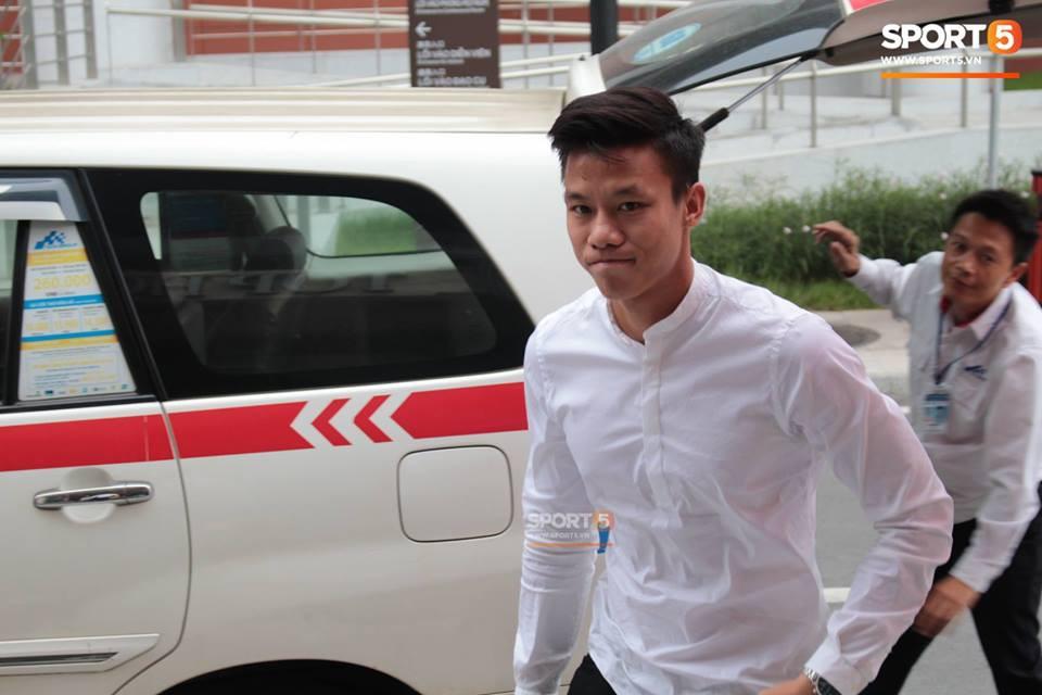 Văn Toàn diện hàng hiệu chuẩn rich kid trong ngày hội quân cùng đội tuyển Việt Nam - Ảnh 4.