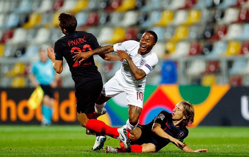 Tuyển Anh lỡ cơ hội phục thù World Cup trên sân bóng im ắng fan - Ảnh 3.