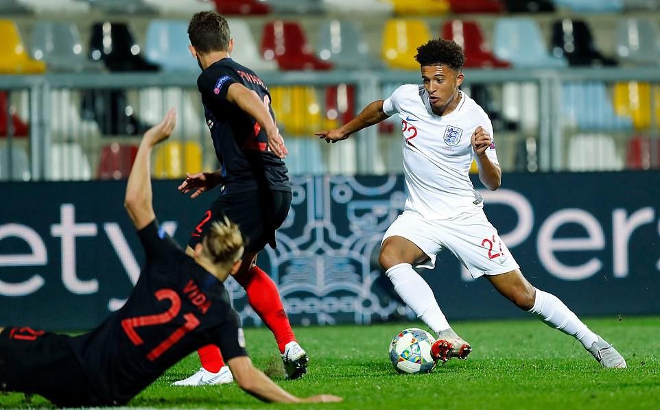 Tuyển Anh lỡ cơ hội phục thù World Cup trên sân bóng im ắng fan - Ảnh 8.