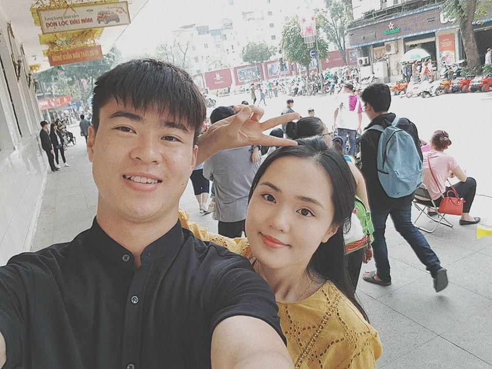 Những cô bạn gái cầu thủ nổi bật ở AFF Cup 2018: Người yêu Duy Mạnh khoe sắc cùng nhà vô địch võ thuật thế giới - Ảnh 3.