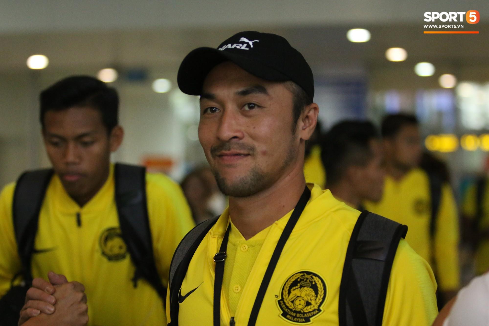 Đội tuyển Malaysia gặp sự cố ngay khi vừa đặt chân đến Việt Nam - Ảnh 6.