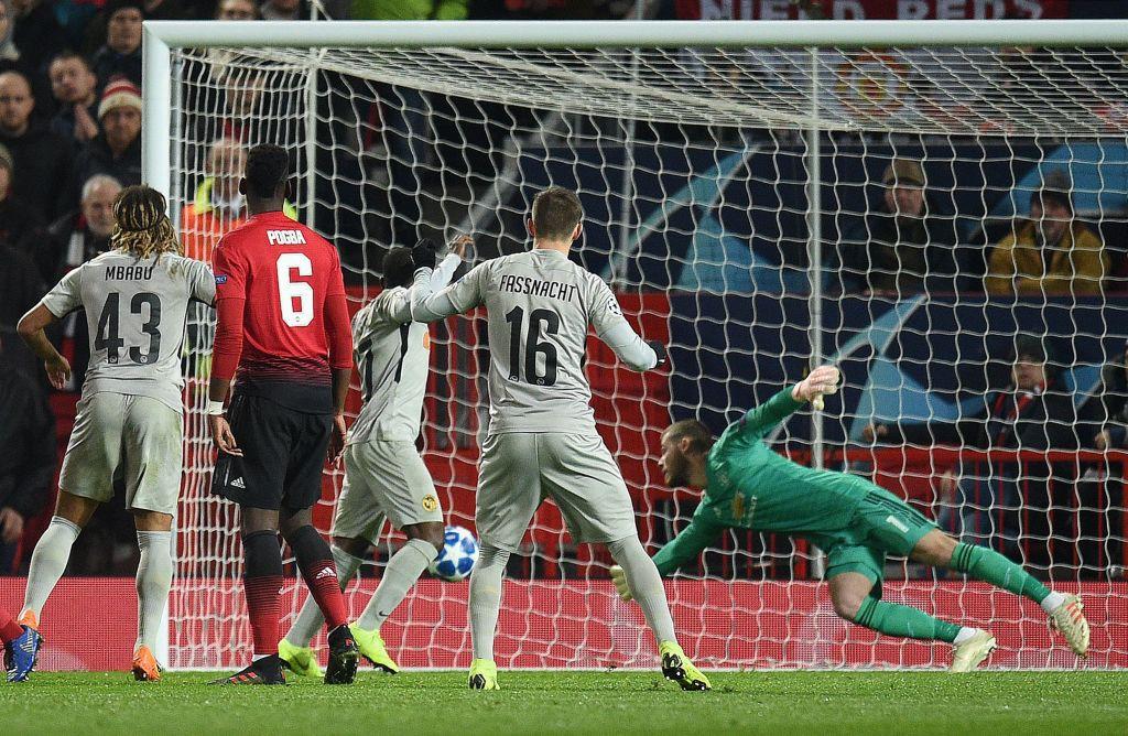 Giành chiến thắng hú hồn nhờ cái đầu mới, Man United chính thức vượt qua vòng bảng Champions League - Ảnh 7.