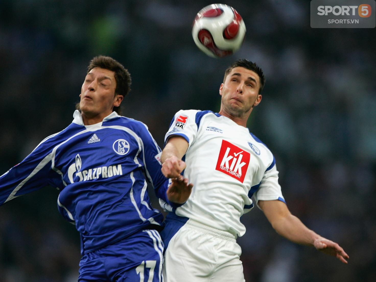 Tự truyện Mesut Oezil (chương 5): Ivan Rakitic và mưu hèn kế bẩn của ban lãnh đạo Schalke 04 - Ảnh 4.