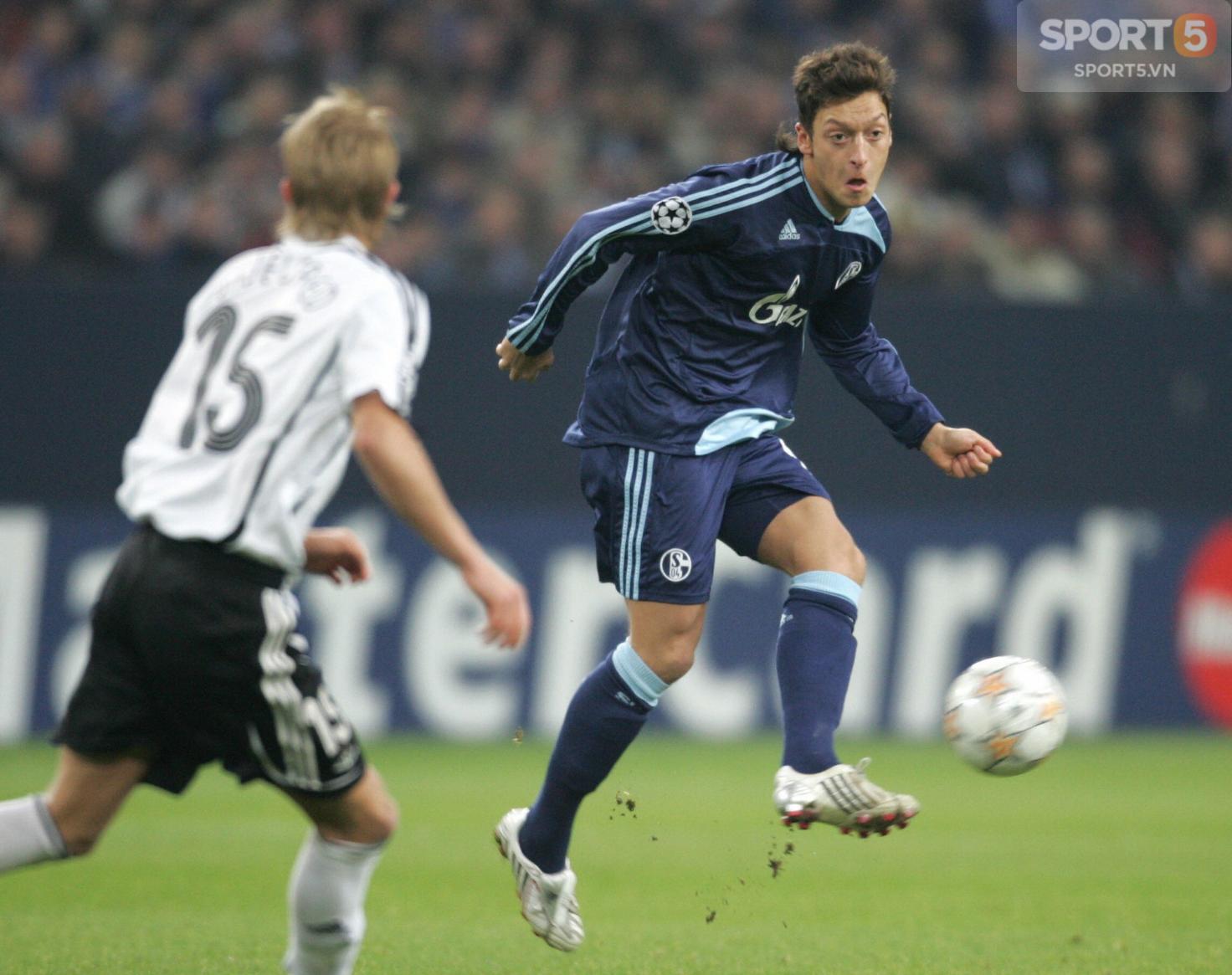 Tự truyện Mesut Oezil (chương 5): Ivan Rakitic và mưu hèn kế bẩn của ban lãnh đạo Schalke 04 - Ảnh 3.