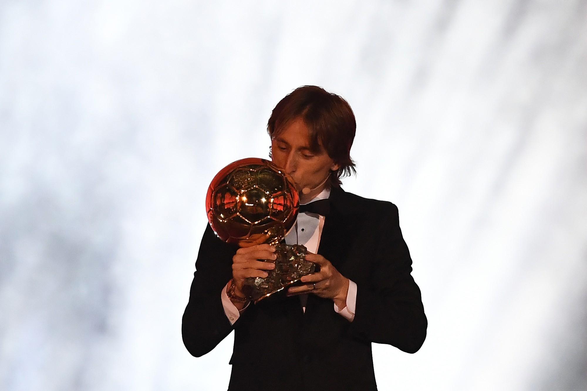 Sự thống trị của Ronaldo - Messi đã chấm dứt, Quả bóng vàng 2018 thuộc về Modric - Ảnh 1.