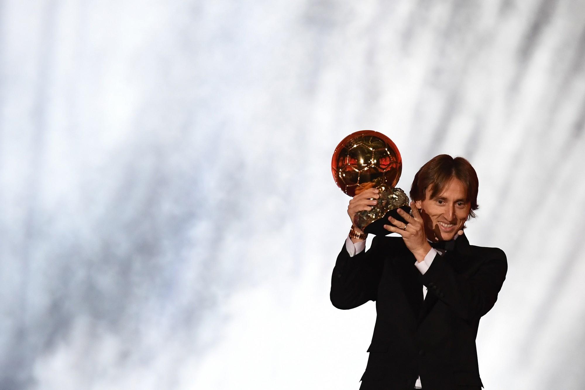 Sự thống trị của Ronaldo - Messi đã chấm dứt, Quả bóng vàng 2018 thuộc về Modric - Ảnh 2.