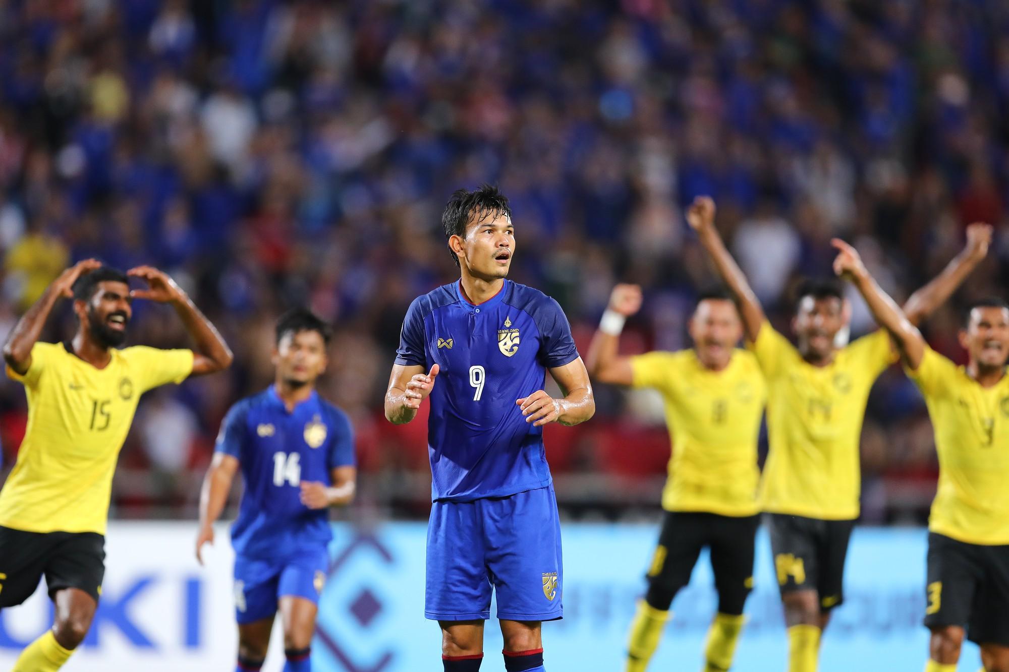 Tội đồ của tuyển Thái Lan bật khóc, nức nở nói lời xin lỗi người hâm mộ - Ảnh 1.