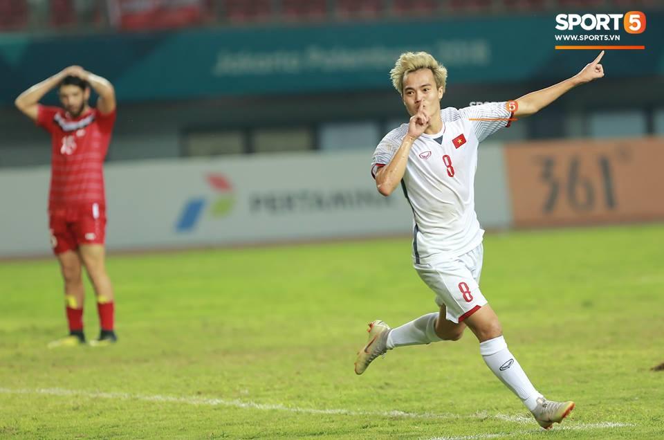 Quang Hải đổ máu, Duy Mạnh đau đớn rời sân trong ngày Olympic Việt Nam làm nên lịch sử - Ảnh 8.