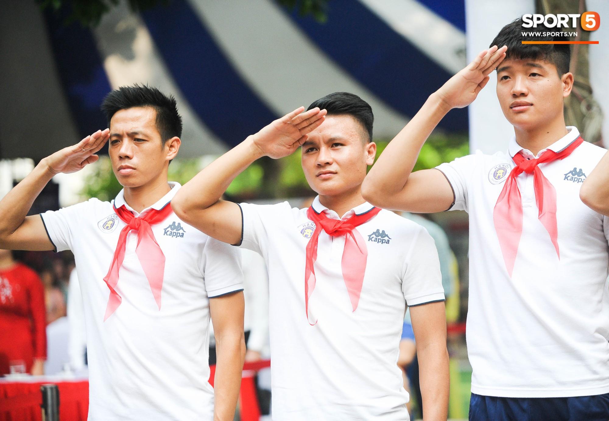 Quang Hải, Duy Mạnh và các cầu thủ Hà Nội FC khép lại hành trình thắp lửa giấc mơ Strong Vietnam - Ảnh 3.