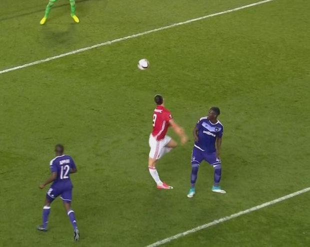 """Chấn thương """"kinh hoàng"""" của Kingsley Coman trong trận đấu giữa Bayern Munich và Tottenham Hotspur - Ảnh 5."""
