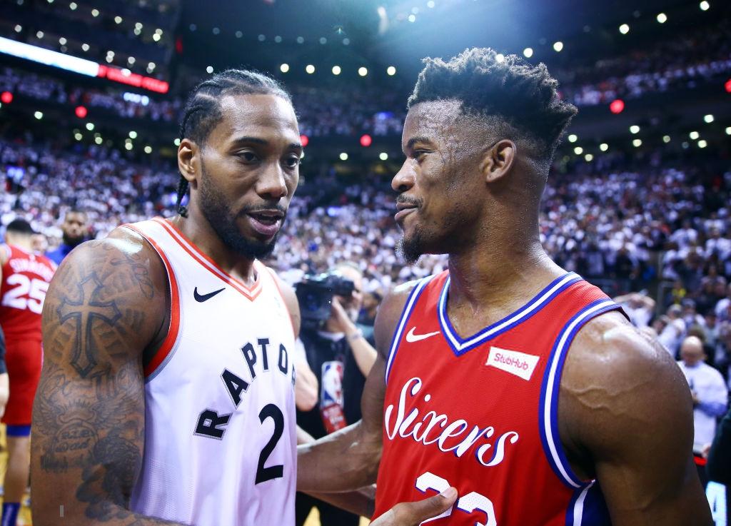 Khoảnh khắc lịch sử NBA: Cú buzzer-beater thần thánh dội vành rổ 4 lần rồi khiến cả nhà thi đấu từ hồi hộp nghẹt thở đến nổ tung - Ảnh 12.
