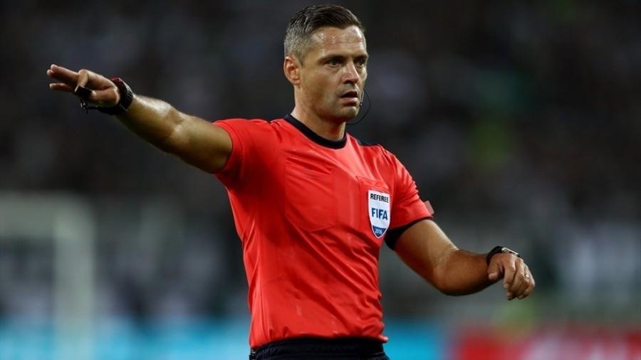 Profile trọng tài bắt chính trận bóng đá hấp dẫn nhất hành tinh năm 2019: Đẹp trai, cơ bắp, làm trọng tài chỉ là nghề tay trái - Ảnh 2.