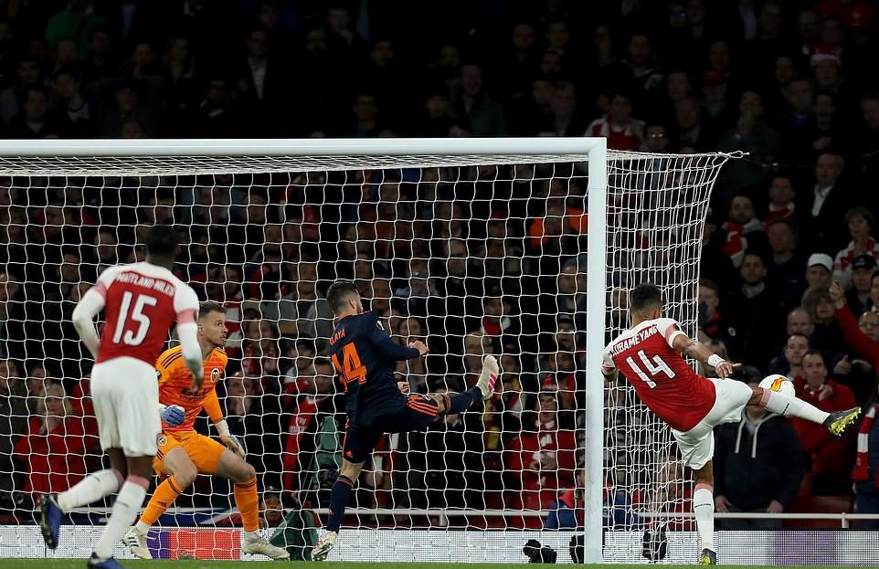 Thi đấu bết bát trong nước, hai đại gia Ngoại hạng Anh vẫn chơi thăng hoa để chạm một tay vào vé dự chung kết cúp châu Âu - Ảnh 7.