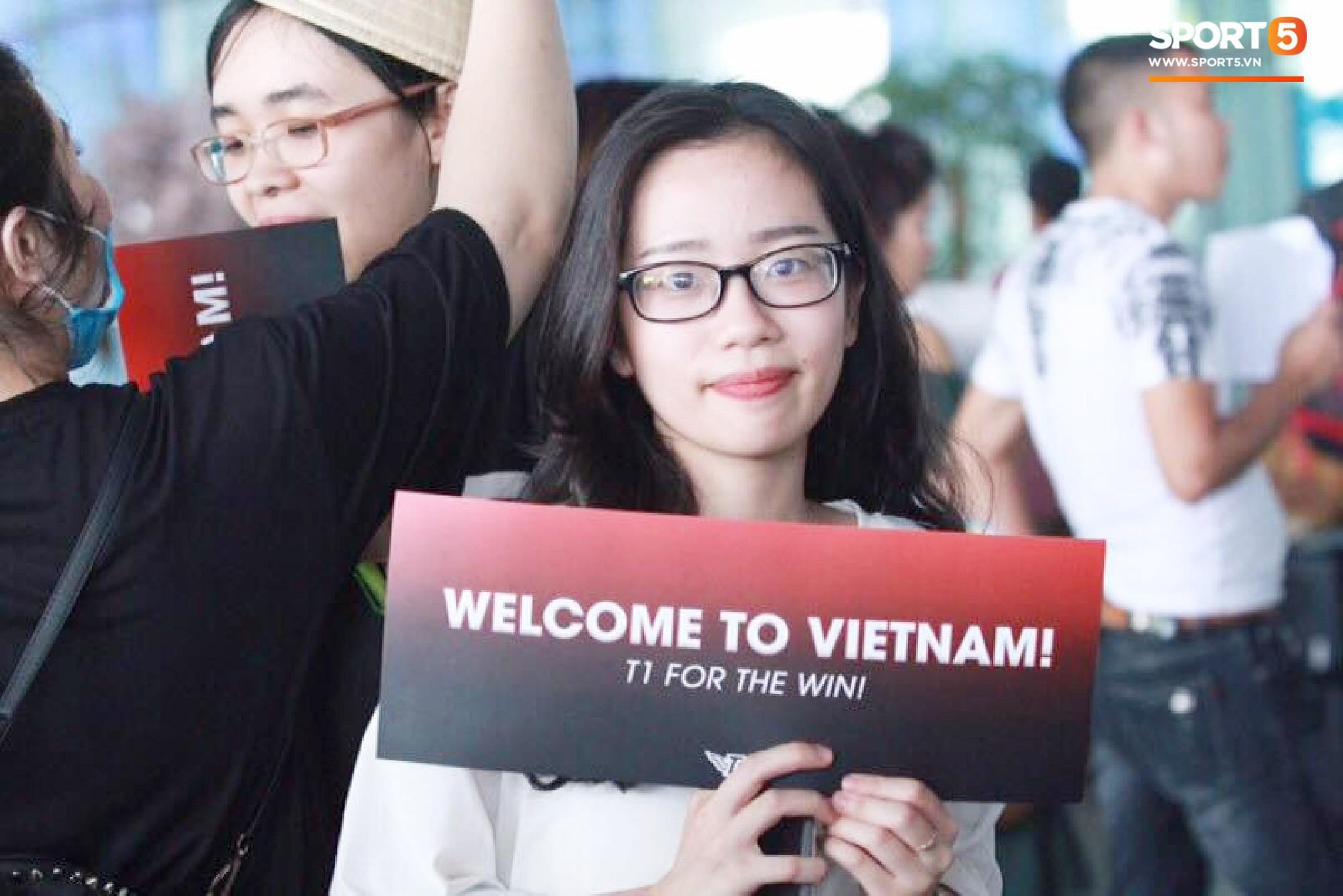 Dàn sao triệu đô SKT T1 rạng ngời trong ngày đầu tiên đặt chân tới Hà Nội - Ảnh 7.