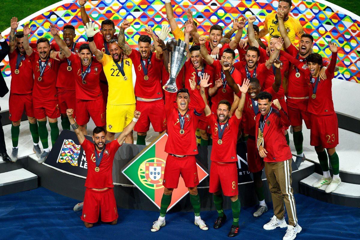 Biểu cảm hài hước của Ronaldo sau khi cùng đồng đội tuyển Bồ Đào Nha làm nên lịch sử ở UEFA Nations League - Ảnh 3.