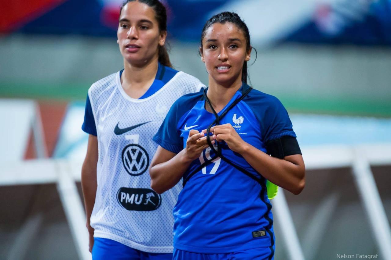 Chiêm ngưỡng dàn mĩ nhân tại World Cup bóng đá nữ 2019: Có thần tiên người Hàn Quốc và cả VĐV quyến rũ nhất thế giới - Ảnh 9.