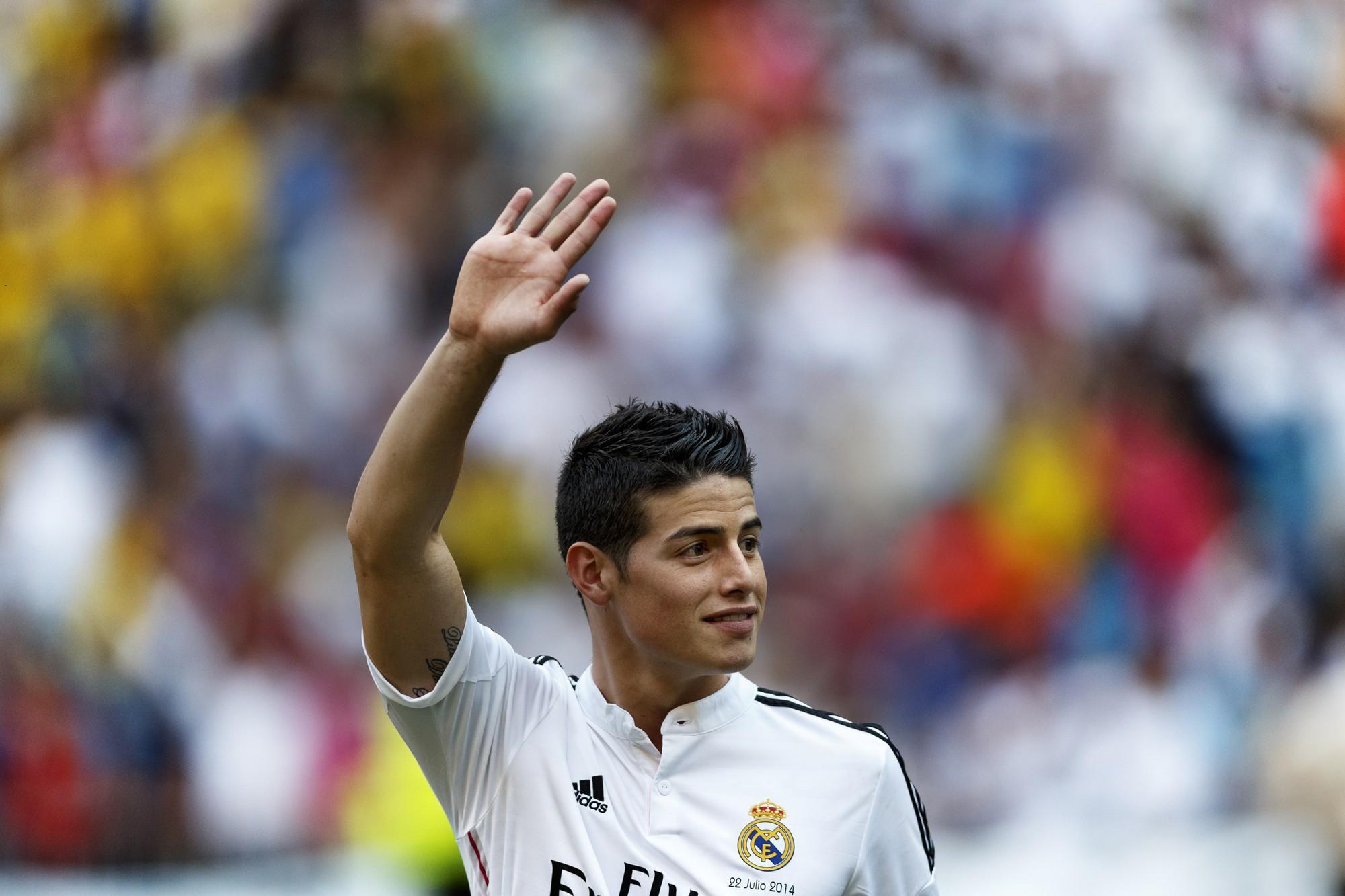 Siêu tiền vệ giá 98 triệu euro ra mắt hoành tráng và hầm hố là thế nhưng vẫn chưa là gì nếu so với Ronaldo - Ảnh 2.