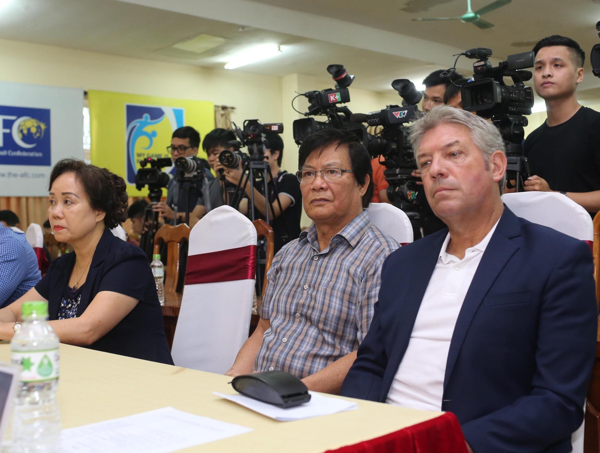 CLB nổi tiếng của Đức giải thích lý do cầu thủ trẻ Việt Nam chưa thể sang Đức thi đấu  - Ảnh 2.