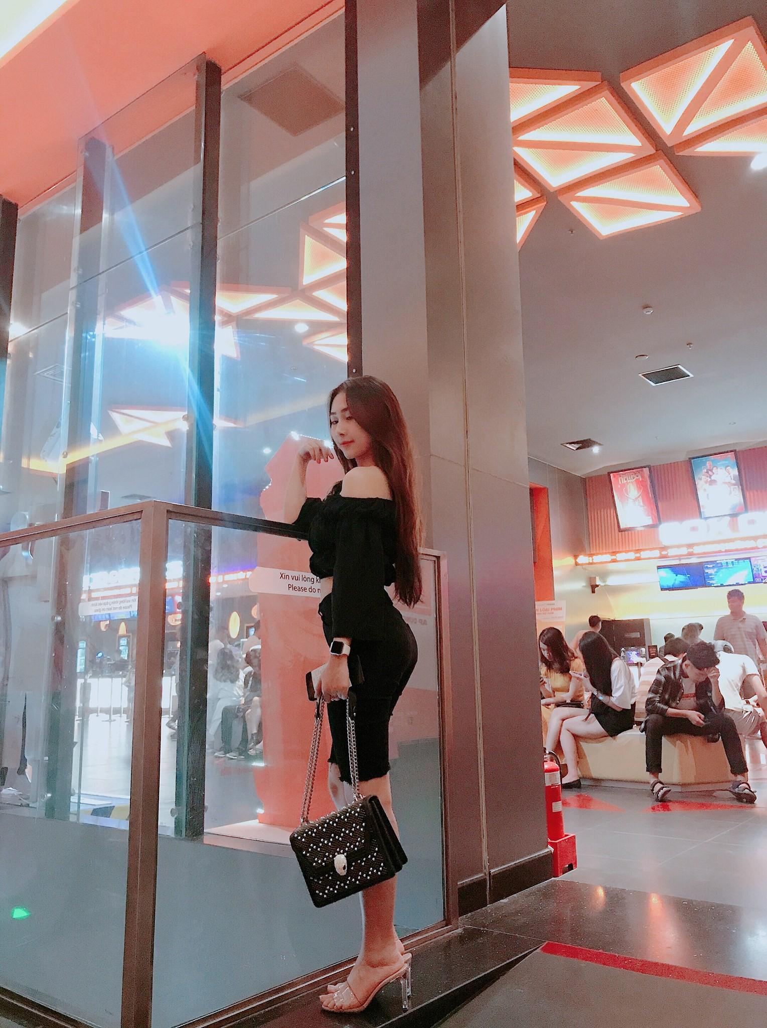 Cô gái có body nóng bỏng được cho là bạn gái của tuyển thủ Việt Nam Huỳnh Tấn Sinh là ai? - Ảnh 7.