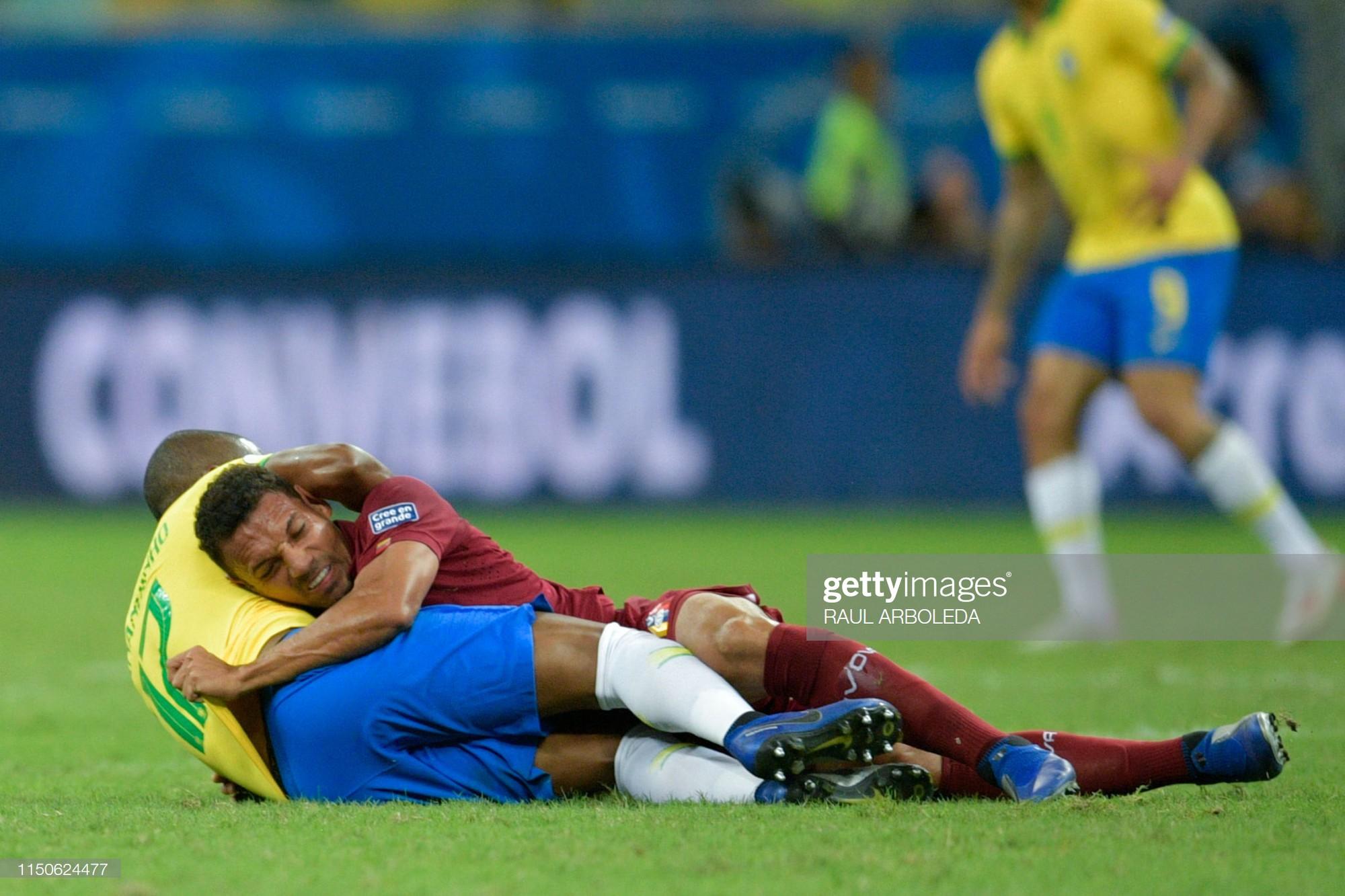 Có đội bóng nào đen đủi hơn tuyển Brazil hôm nay: 3 lần ăn mừng hụt để rồi rời sân trong nỗi thất vọng - Ảnh 7.