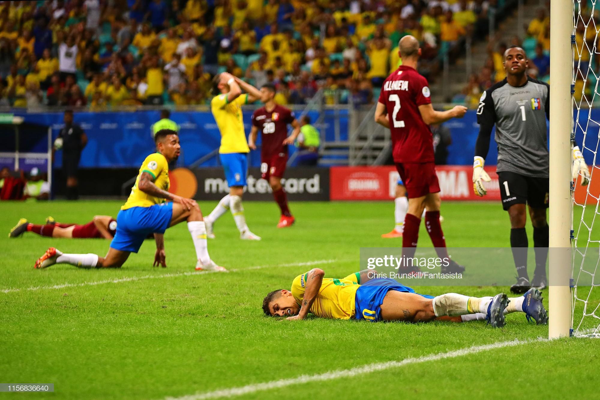 Có đội bóng nào đen đủi hơn tuyển Brazil hôm nay: 3 lần ăn mừng hụt để rồi rời sân trong nỗi thất vọng - Ảnh 10.