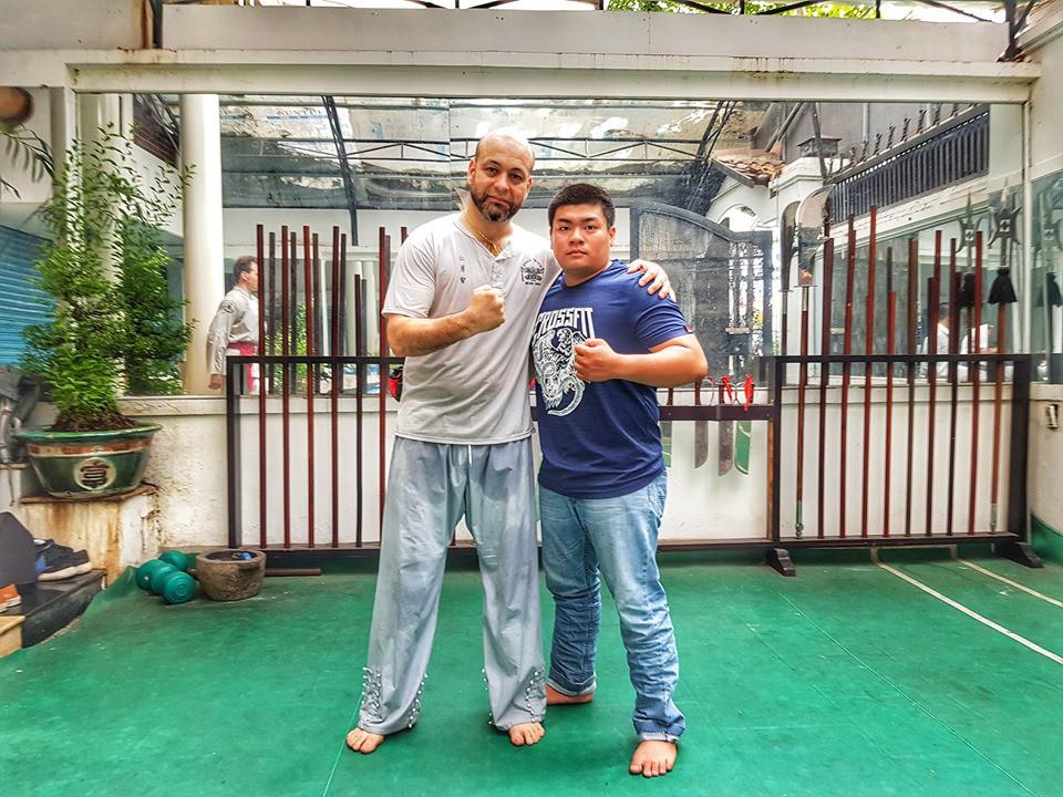 Bất ngờ được võ sư Flores mời giao đấu, nhà vô địch Trương Đình Hoàng có lời đáp nhận cơn mưa lời khen từ dân mạng - Ảnh 1.