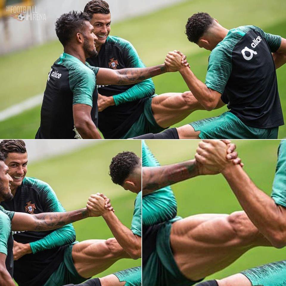 Bồ Đào Nha tập trung chuẩn bị bán kết Nations League: Chẳng gì chiếm spotlight tốt bằng cặp giò vĩ đại của Cristiano Ronaldo - Ảnh 4.