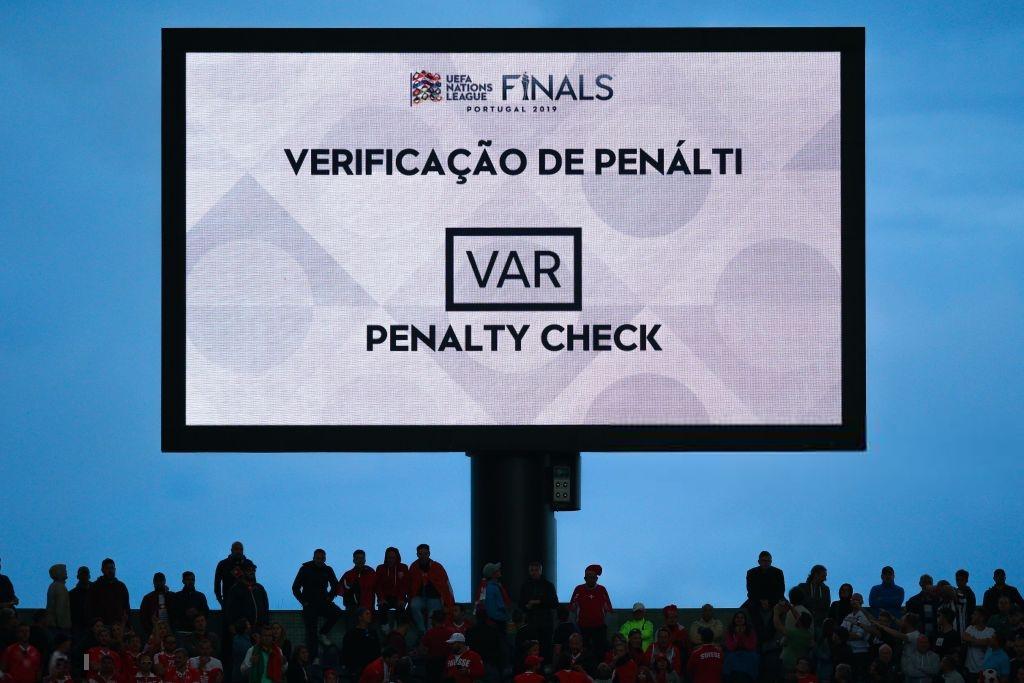 Siêu nhân Ronaldo một mình ghi 3 bàn thắng đẹp, gánh tuyển Bồ Đào Nha vào chơi trận chung kết UEFA Nations League - Ảnh 6.