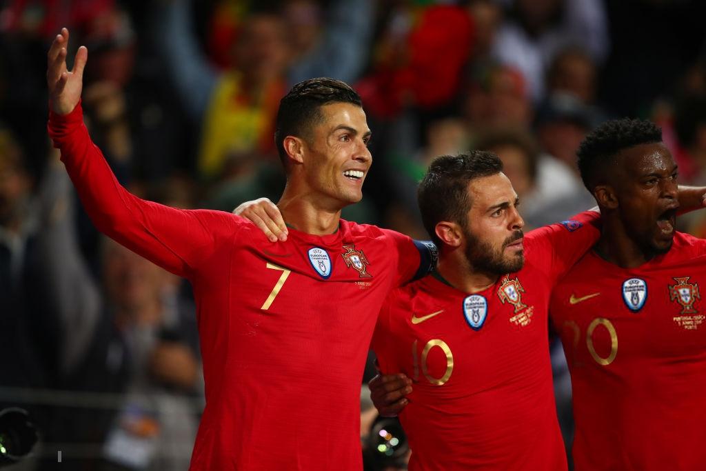 Siêu nhân Ronaldo một mình ghi 3 bàn thắng đẹp, gánh tuyển Bồ Đào Nha vào chơi trận chung kết UEFA Nations League - Ảnh 10.