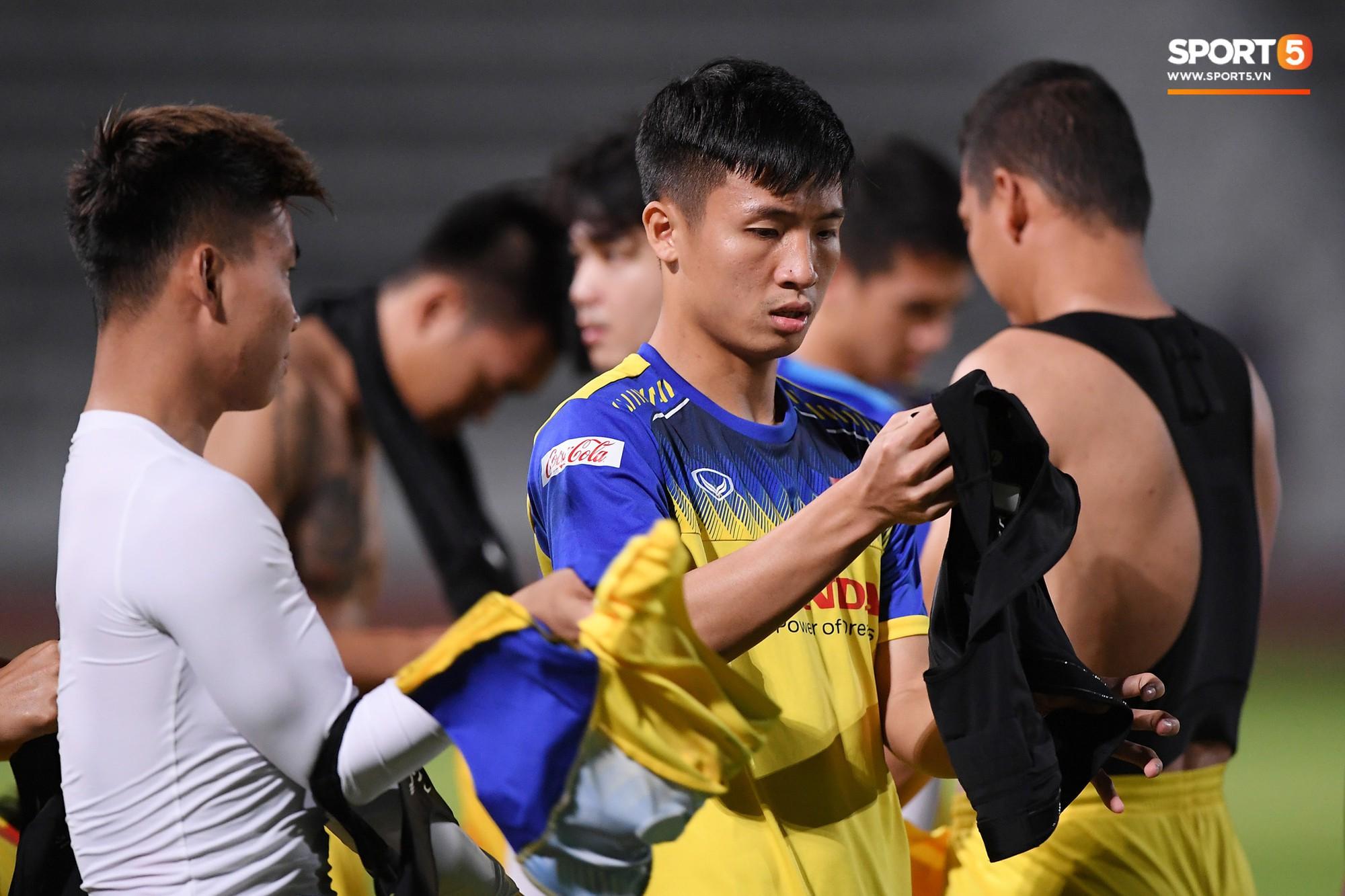 Tiết lộ hình xăm chuẩn mọt sách của Tuấn Anh trong buổi tập chuẩn bị cho chung kết Kings Cup 2019 - Ảnh 2.