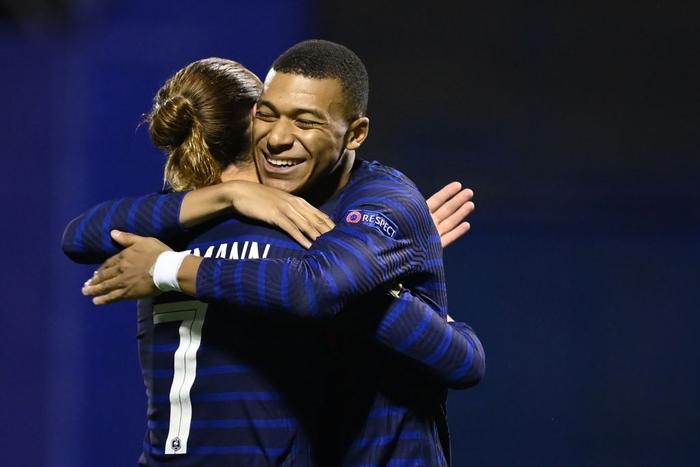 Cầu thủ trẻ hay nhất thế giới nổ súng, Pháp hạ gục Croatia - ảnh 1