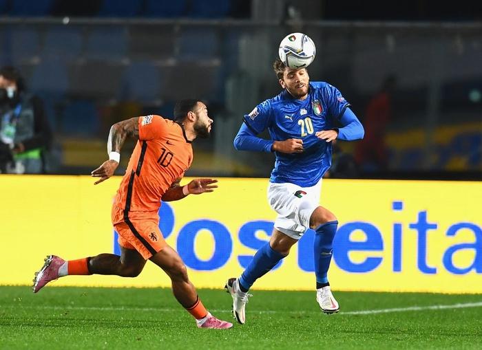 Hai ông lớn Italy và Hà Lan níu chân nhau, mất luôn ngôi đầu bảng - Ảnh 7.