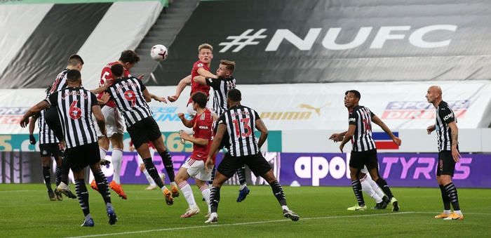 Phản lưới nhà và hỏng phạt đền, Man Utd vẫn thắng ngược nhờ 3 bàn trong 10 phút cuối - Ảnh 4.