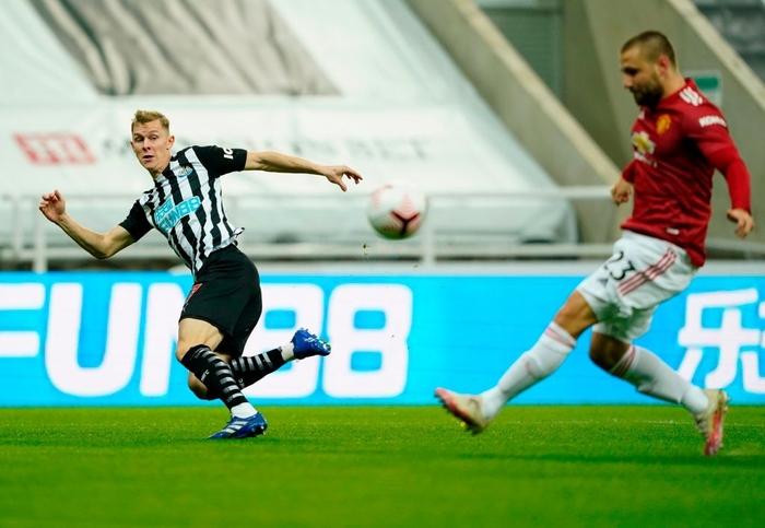 Phản lưới nhà và hỏng phạt đền, Man Utd vẫn thắng ngược nhờ 3 bàn trong 10 phút cuối - ảnh 2