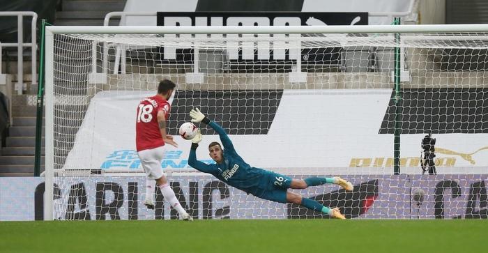 Phản lưới nhà và hỏng phạt đền, Man Utd vẫn thắng ngược nhờ 3 bàn trong 10 phút cuối - ảnh 6